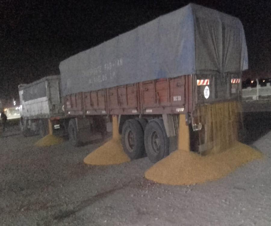 Video: atacan camiones con cereal en el acceso al puerto de Bahía Blanca