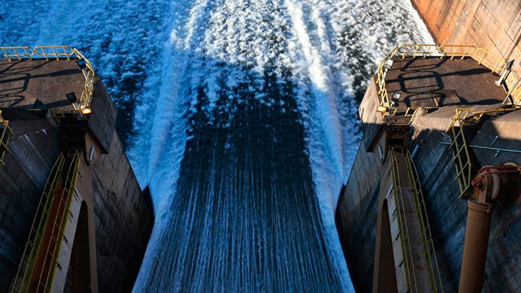 El panorama energético se irá complicando por la bajante de los ríos