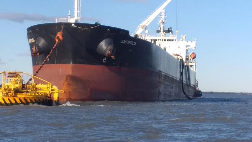 Siguen las exportaciones de crudo de Vaca Muerta desde Puerto Rosales