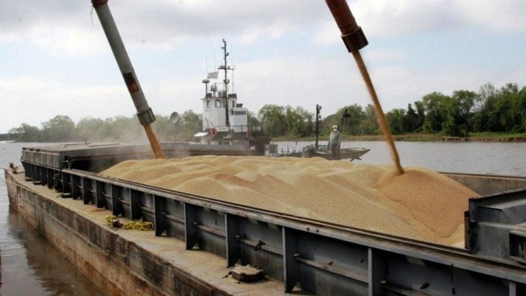 La bajante complica la llegada de granos desde Paraguay hacia el Río de la Plata