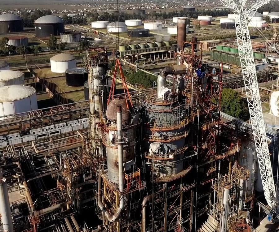 Fotos y video: importante inversión de YPF en su refinería de La Plata