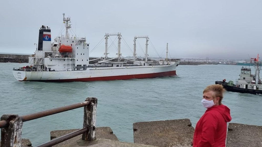 El reefer que cargó pescado en Mar del Plata dejó varios interrogantes y expectativas