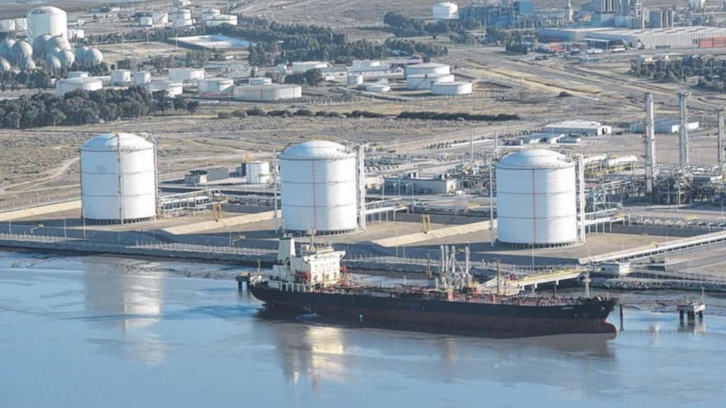 Compañía Mega inicia importantes trabajos de mantenimiento en Bahía Blanca