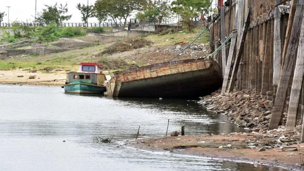 En Paraguay afirman que la navegación está prácticamente paralizada