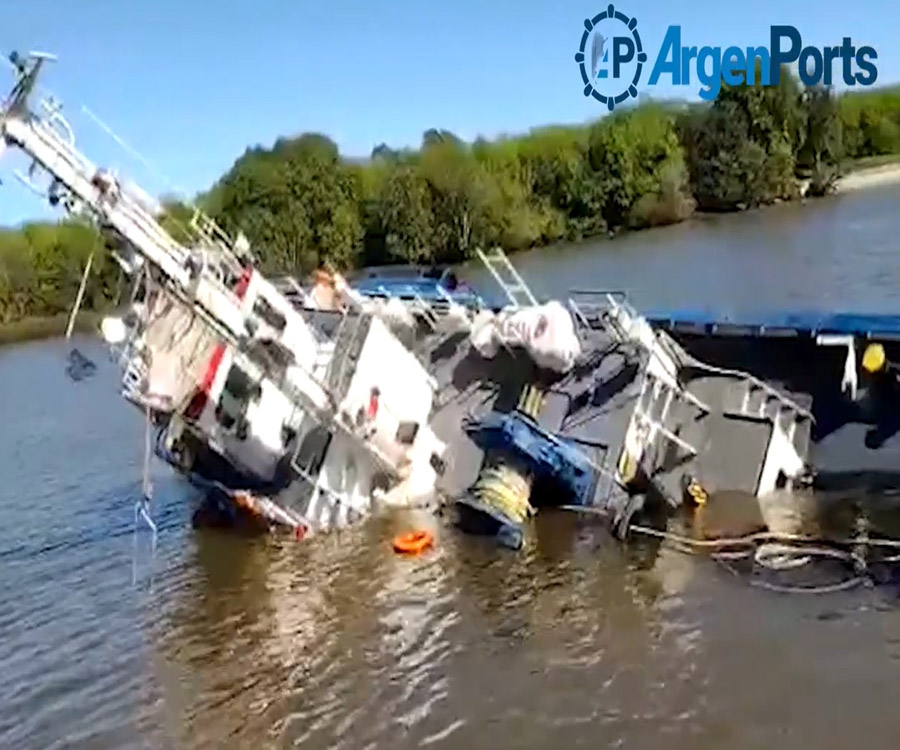 Ultimo momento: video del hundimiento de un remolcador en el puerto de La Plata