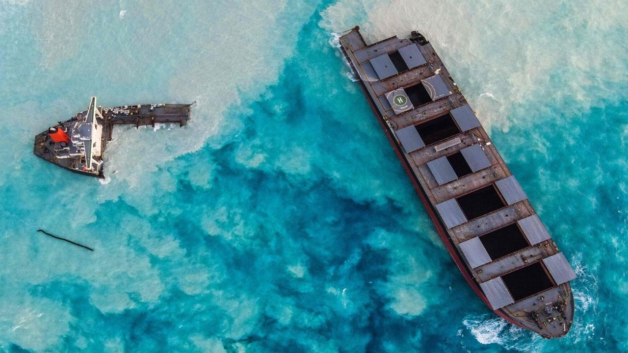 Impactantes fotos del derrame de combustible en las costas de la paradisíaca isla Mauricio