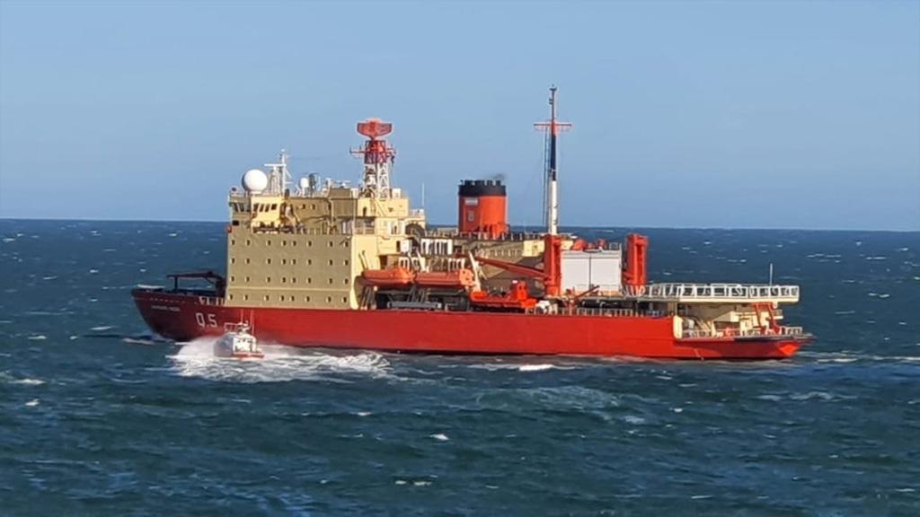 En fotos: el Irízar navega hacia el sur para afianzar los derechos argentinos en la Antártida