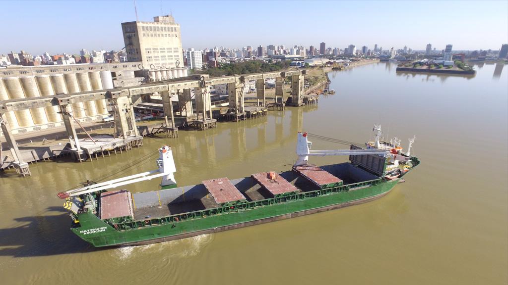 Luego de décadas para el olvido, el puerto de Santa Fe retoma el camino de la exportación