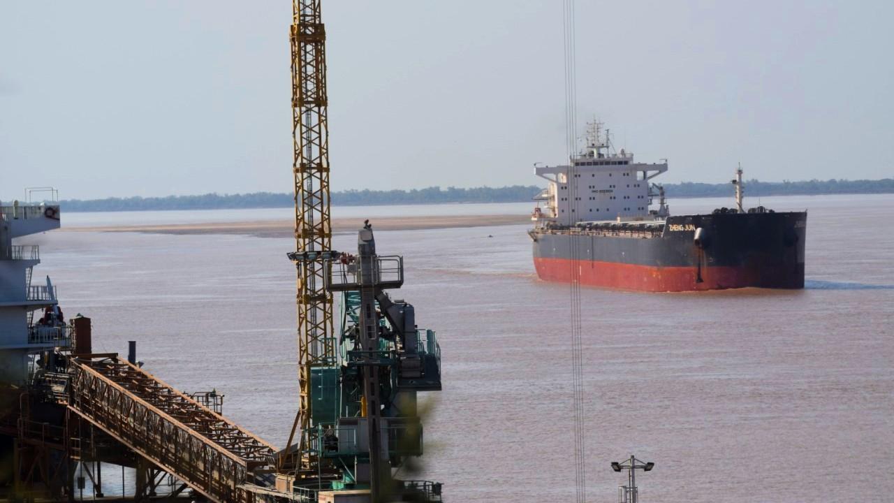 Alerta para la navegación de grandes buques por la bajante del río Paraná