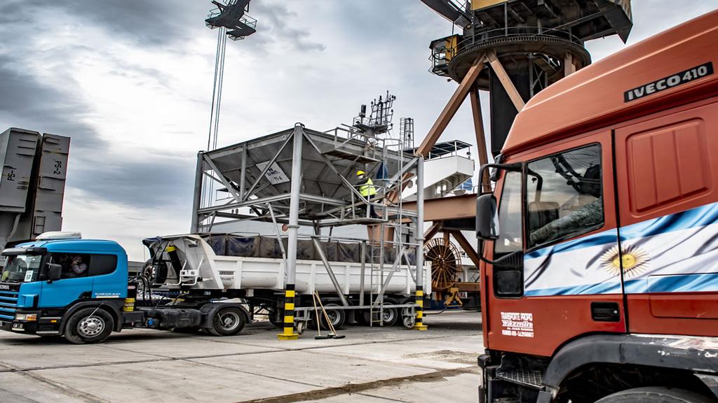 """""""Los camiones pueden llegar sin problema al puerto de Bahía Blanca. Nadie los puede parar"""""""
