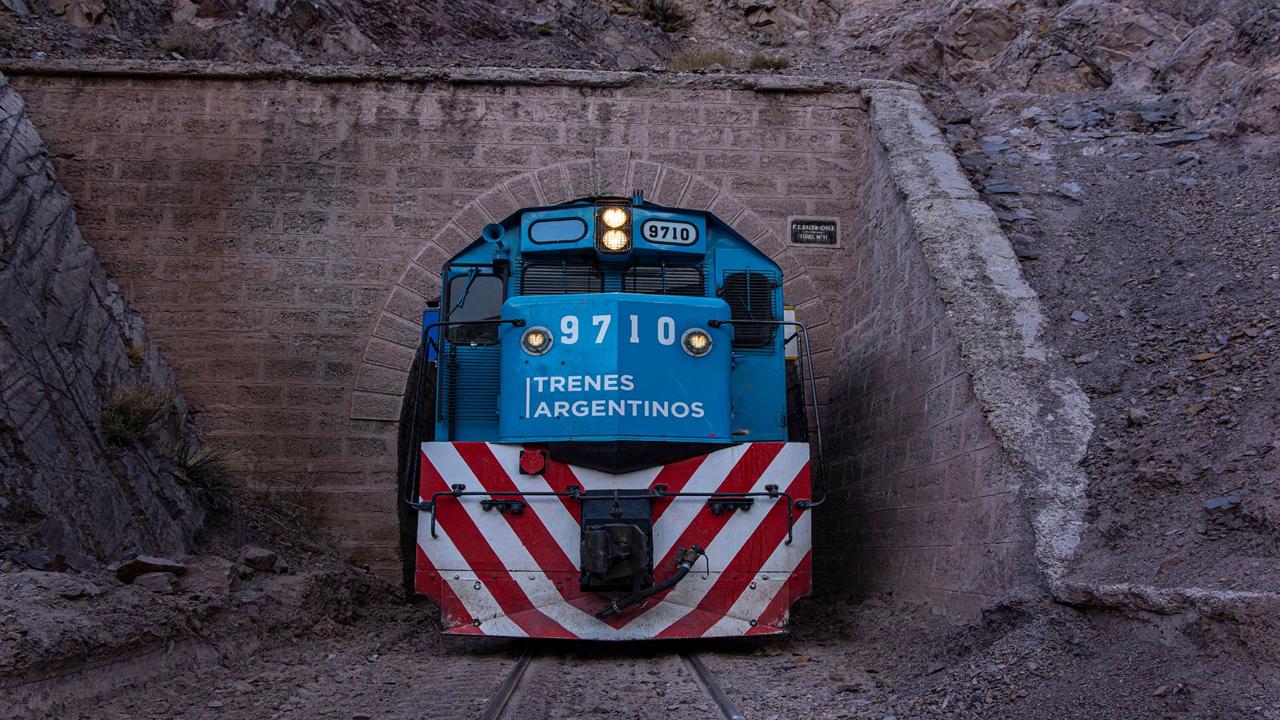 Activan una agenda con Chile para motorizar el ferrocarril Trasandino del Sur