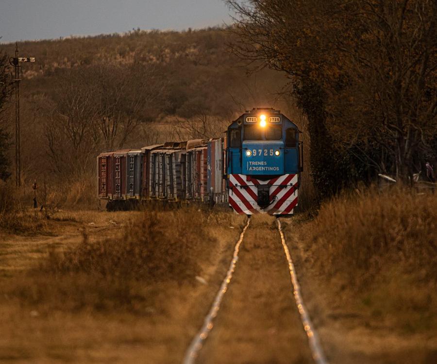 Nuevo paso para continuar con la modernización de la línea Belgrano Cargas