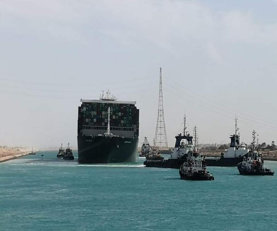 Video: liberaron al gigantesco Ever Given y el Canal de Suez recuperará su actividad