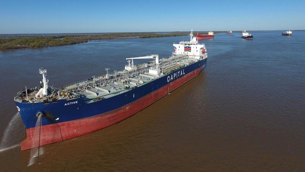 Capitanes de ultramar amenazan con parar el tráfico de buques