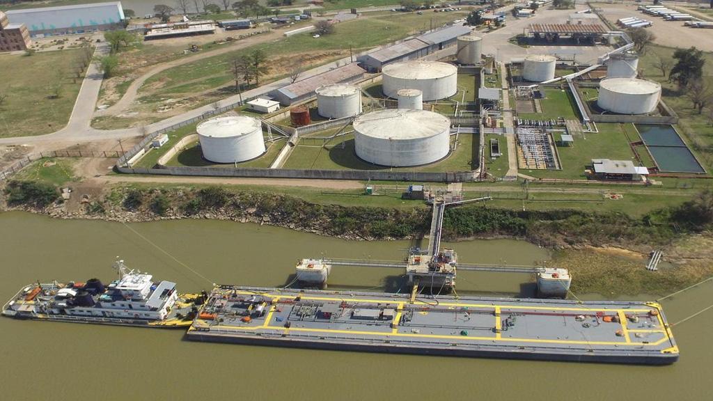 Estiman en el puerto de Santa Fe que por la bajante deberán operar sólo con barcazas
