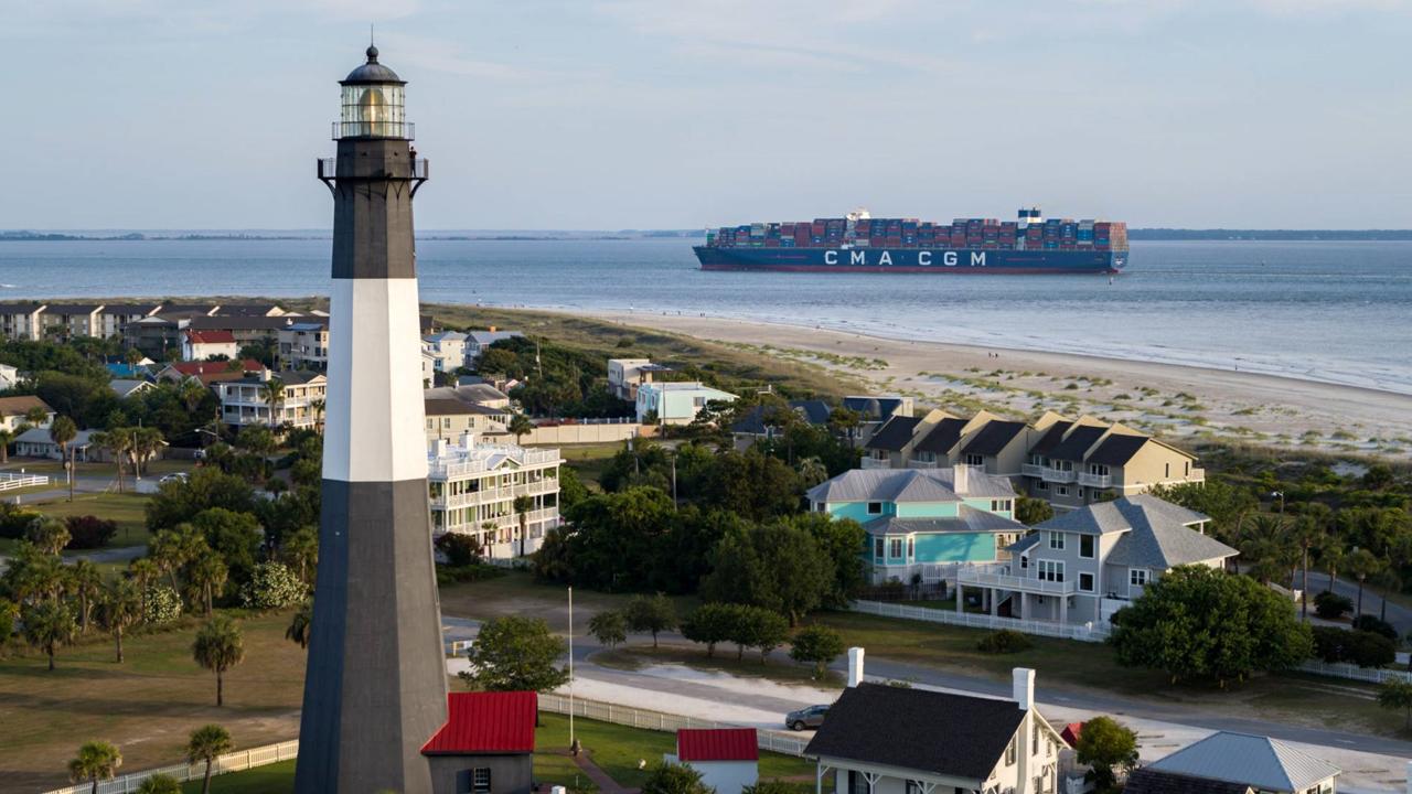 Video: Mirá el buque más grande que amarró en la costa Este de EE.UU