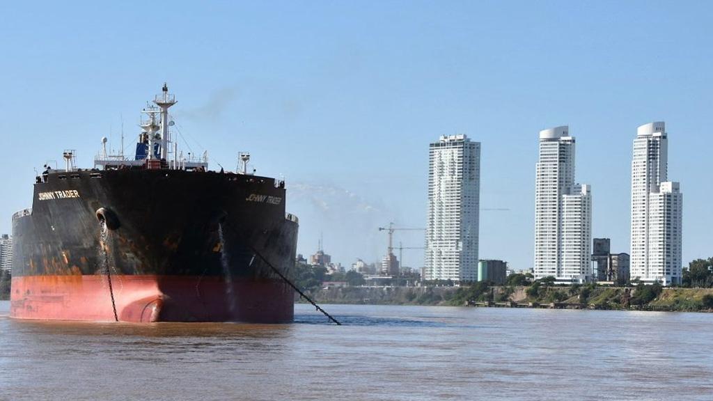 El Paraná se encamina hacia mínimos históricos y presenta un duro desafío a la navegación