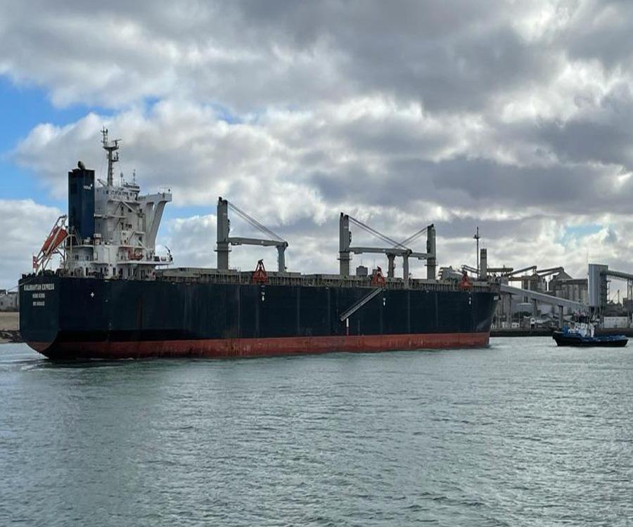 Con alta rotación de buques, Quequén prevé alcanzar cerca de 900 mil toneladas en junio