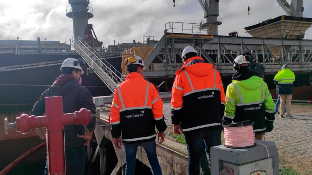 El Consorcio de Puerto Quequén realiza pericias por el accidente en Pier Doce