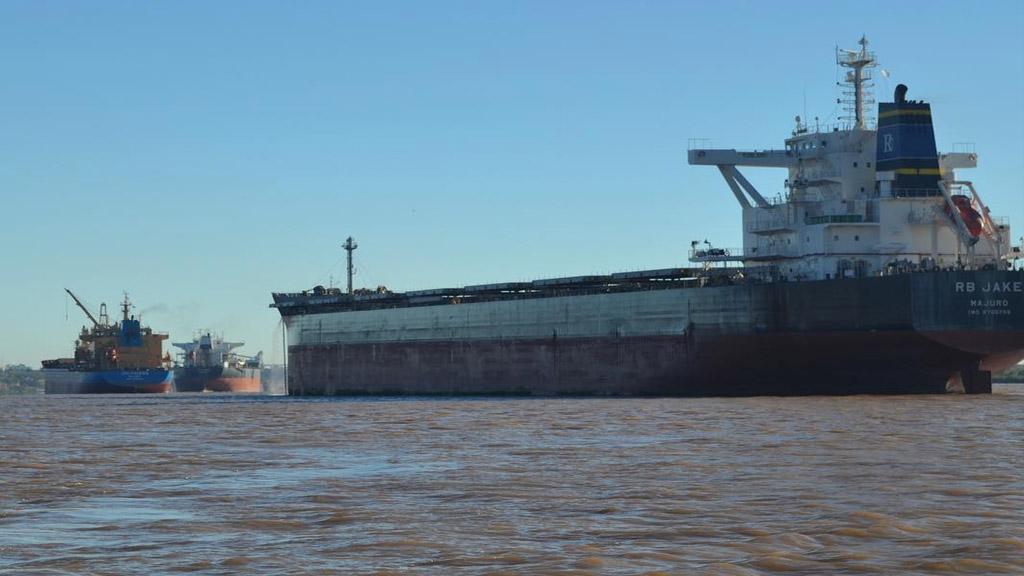 Alerta de Prefectura para capitanes de buques y prácticos por la bajante del Paraná